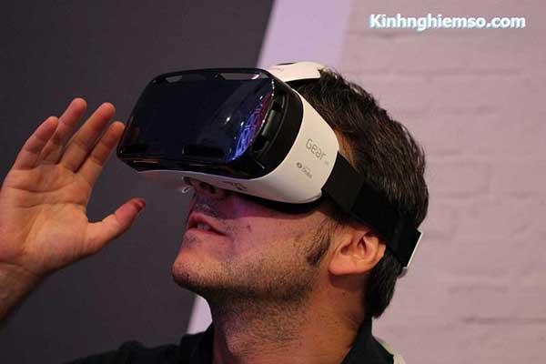 Hướng dẫn sử dụng kính thực tế ảo đúng cách